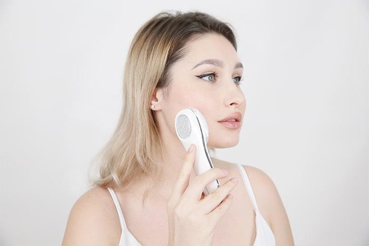 Với những ưu điểm nổi bật trên, máy massage mặt minihấp thụ kem dưỡng ẩm TouchBeauty TB1385 hẳn sẽ là lựa chọn hoàn hảo dành cho bạn.